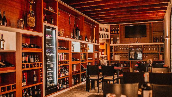 ¿Qué diferencia existe entre enólogo, sumiller y catador de vinos?